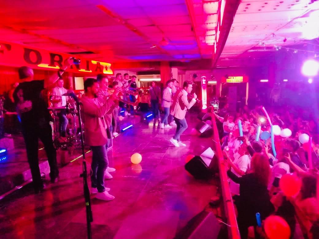 Grupo G Reventon Musical La Revista